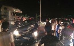 Ăn trộm xe ô tô đang bỏ trốn thì tự đâm vào cột điện ven đường