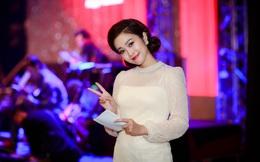 Vẻ đẹp của MC Thùy Linh thu hút sự chú ý