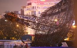 """Dàn cẩu công trình đổ sập sau tiếng nổ """"như bom"""" tại Hà Nội"""