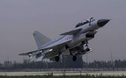 """Tiêm kích J-10 Trung Quốc """"khóa"""" được khách sộp đầu tiên?"""