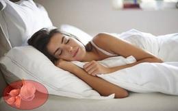 Để nhánh tỏi dưới gối khi đi ngủ: Việc nhỏ lợi ích bất ngờ!