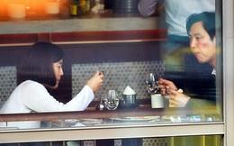 Chàng trai chê vợ xấu trước mặt gái trẻ và câu nói khiến nhiều người sợ kết hôn