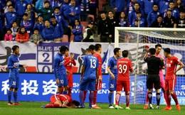 """Đụng đến """"sao bự"""", cầu thủ Trung Quốc dính án phạt khó tin"""