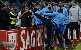 Kungfu huyền ảo, Evra bị đuổi khỏi Marseille