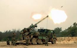Hé lộ video pháo tự hành Caesar của Pháp bắn IS trong đêm
