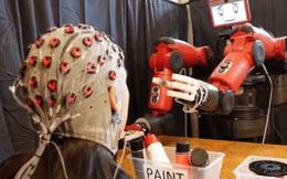 Phát triển thành công loại robot có thể điều khiển bằng suy nghĩ