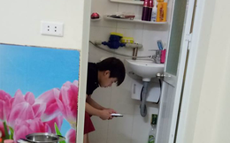 """Chồng nghiện game đem cả điện thoại vào toilet, vợ chụp ảnh """"bêu"""" lên mạng xã hội"""