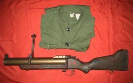 Khẩu súng M79 và chiếc áo của Anh hùng Trần Hùng Vách