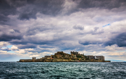 """Câu chuyện về """"hòn đảo ma"""" giữa biển khơi Nhật Bản bỗng trở thành di sản văn hóa thế giới của UNESCO"""