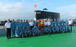 Những người lính thực hiện nhiệm vụ trong lòng đại dương