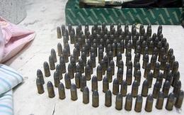 Philippines: Phát hiện đạn dược, súng ống trà trộn trong đồ từ thiện gửi người dân Marawi