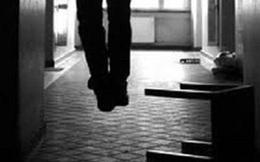 Long An: Một trung úy công an treo cổ chết tại nhà riêng