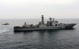 """Tàu khu trục Nga tức tốc """"chi viện"""" tàu dầu Trung Quốc do lo ngại cướp biển tấn công"""