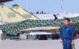 Bức ảnh rò rỉ hé lộ vũ khí nguy hiểm mới trên tiêm kích tàng hình J-20 Trung Quốc