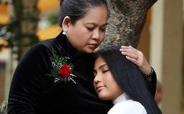 """Tranh cãi chuyện Á hậu Trương Thị May """"ở vậy"""" để báo hiếu mẹ!"""