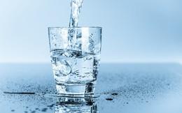 Uống nước: Không phải nhiều hay ít, mà nên uống đúng thời điểm, đúng lượng, đúng mục đích