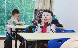 Đến lớp cũng đắp mặt nạ nữa, con trai của Phạm Băng Băng đây ư?