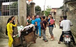 Vụ bí thư thôn kê vợ nhận quà lũ lụt: Ăn chặn cả gói mì tôm?