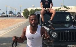 Patrice Evra kéo xe Jeep, tập luyện chờ ngày thoát án phạt