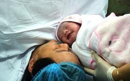 Vỡ òa giây phút em bé thụ tinh trong ống nghiệm đầu tiên ra đời tại Nghệ An