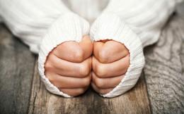 Bàn tay bàn chân thường xuyên bị lạnh: Đừng chủ quan, hãy xử lý sớm