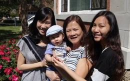 """Bà đi chăm cháu xuyên quốc gia: """"Ở đâu con cái hạnh phúc thì ở đó cũng có niềm vui của cha mẹ"""""""
