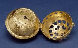 """Bí ẩn chưa có lời giải về chiếc đồng hồ Thụy Sĩ, """"du hành"""" 300 năm về quá khứ trong quan tài đá thời Minh"""