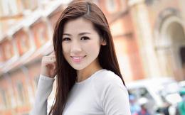 Á hậu Tú Anh: 'Bố tôi đưa hết tiền lương cho mẹ'!