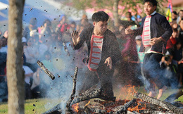 Thú vị khám phá lễ hội nhảy lửa của người Dao đỏ