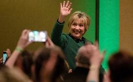 Tuyên bố 'sẵn sàng ra khỏi rừng', bà Hillary Clinton chuẩn bị quay lại chính trường Mỹ?