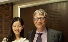 """""""Hot girl trà sữa"""" khiến nhiều người ngưỡng mộ khi gặp gỡ và nói chuyện cùng tỷ phú Bill Gates"""