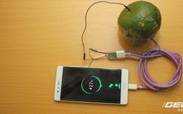 Hướng dẫn bạn đọc chế sạc pin dự phòng từ một quả cam, sạc được tới gần 40% pin cho iPhone