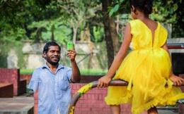 Sau 2 năm tích cóp, người cha ăn xin hạnh phúc vì cuối cùng cũng mua được cho con gái 1 chiếc váy mới