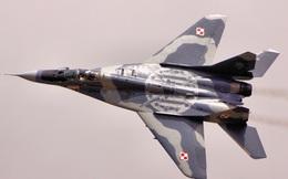 Mỹ mua máy bay Nga về huấn luyện không chiến