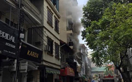 Hà Nội: Lại cháy quán karaoke, nhân viên hoảng hồn tháo chạy