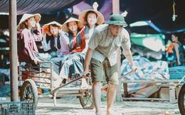 Kỷ yếu xóm chợ náo nhiệt nhất trên đời với 33 tiểu thương đều là các bạn học sinh!