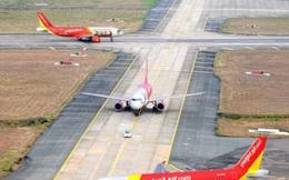 """Nhiều chuyến bay ở Nội Bài bị chậm do nhân viên mặt đất """"ốm"""" đồng loạt"""
