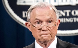 """Tổng chưởng lý """"trốn"""" điều tra cáo buộc Nga, Tổng thống Trump """"hối hận"""""""