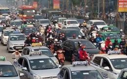 Mỗi ngày lãng phí 3 tỷ đồng tiền xăng vì taxi rỗng chạy kiếm khách?