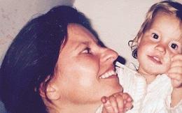 Từ chối hóa trị cho con gái mới sinh bị ung thư bạch cầu, người mẹ khóc òa khi nhận được cái kết