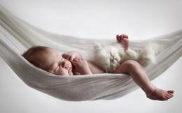 Bé gái 7 tháng tuổi ngất, sùi bọt mép vì nằm võng