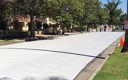 Người Mỹ sử dụng cách rất hay để hạ nhiệt độ trong những ngày nóng bức: Sơn xám toàn bộ mặt đường