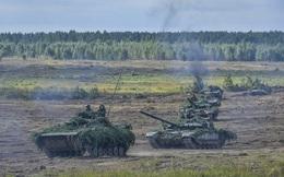 Xe tăng thiết giáp Nga và Belarus dũng mãnh tiến công trong Zapad-2017