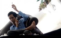 Yêu cầu xử lý Phó Giám đốc công ty gác chân, hút thuốc khi tiếp PV