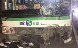Xe buýt tông hàng loạt phương tiện, 1 người bị kéo lê hàng chục mét