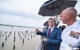 Thăm bãi cọc Bạch Đằng cùng Tư lệnh Hạm đội Thái Bình Dương, Đại sứ Mỹ đọc bài thơ 'Nam quốc sơn hà'
