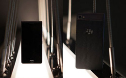 Công ty Trung Quốc trình làng điện thoại BlackBerry không bàn phím