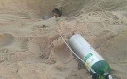 """Bí ẩn hố cát """"ăn thịt người"""" xuất hiện khiến cho không ai dám tới gần"""