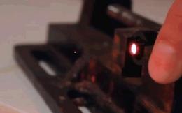 Dùng tia laser dịch chuyển đồ vật trong không khí, con người nay đã dần có khả năng của tương lai