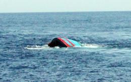 Tàu câu mực chìm giữa biển, 1 người chết, thuyền trưởng mất tích